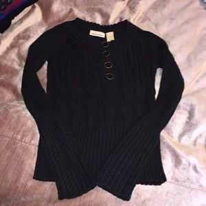⬇️ DKNY Cable Knit Sweater